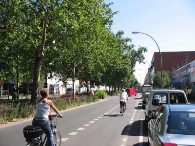 radstreifen-wichertstrasse-400x300.jpg