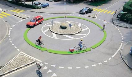 fahrrad-im-kreisverkehr.jpg