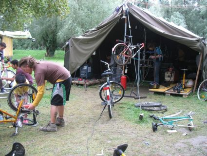 cyclocamp-2011-425x320.jpg